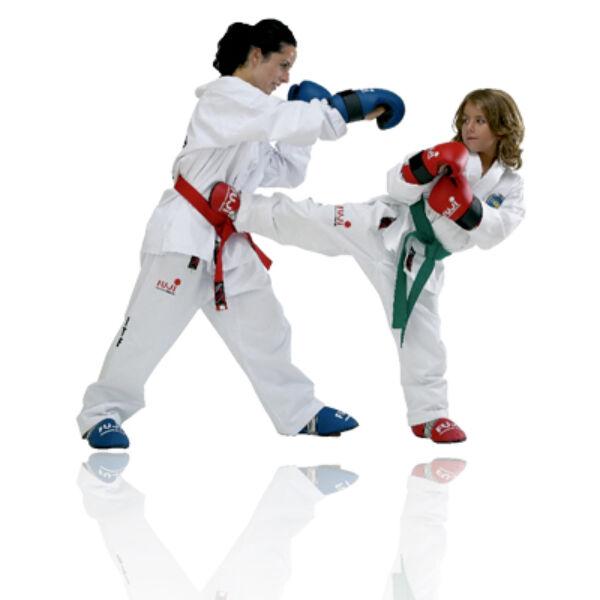 Régi logós ITF taekwon-do edzőruha